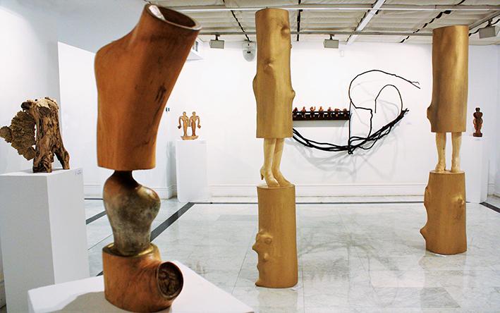 Paz Santos, escultora